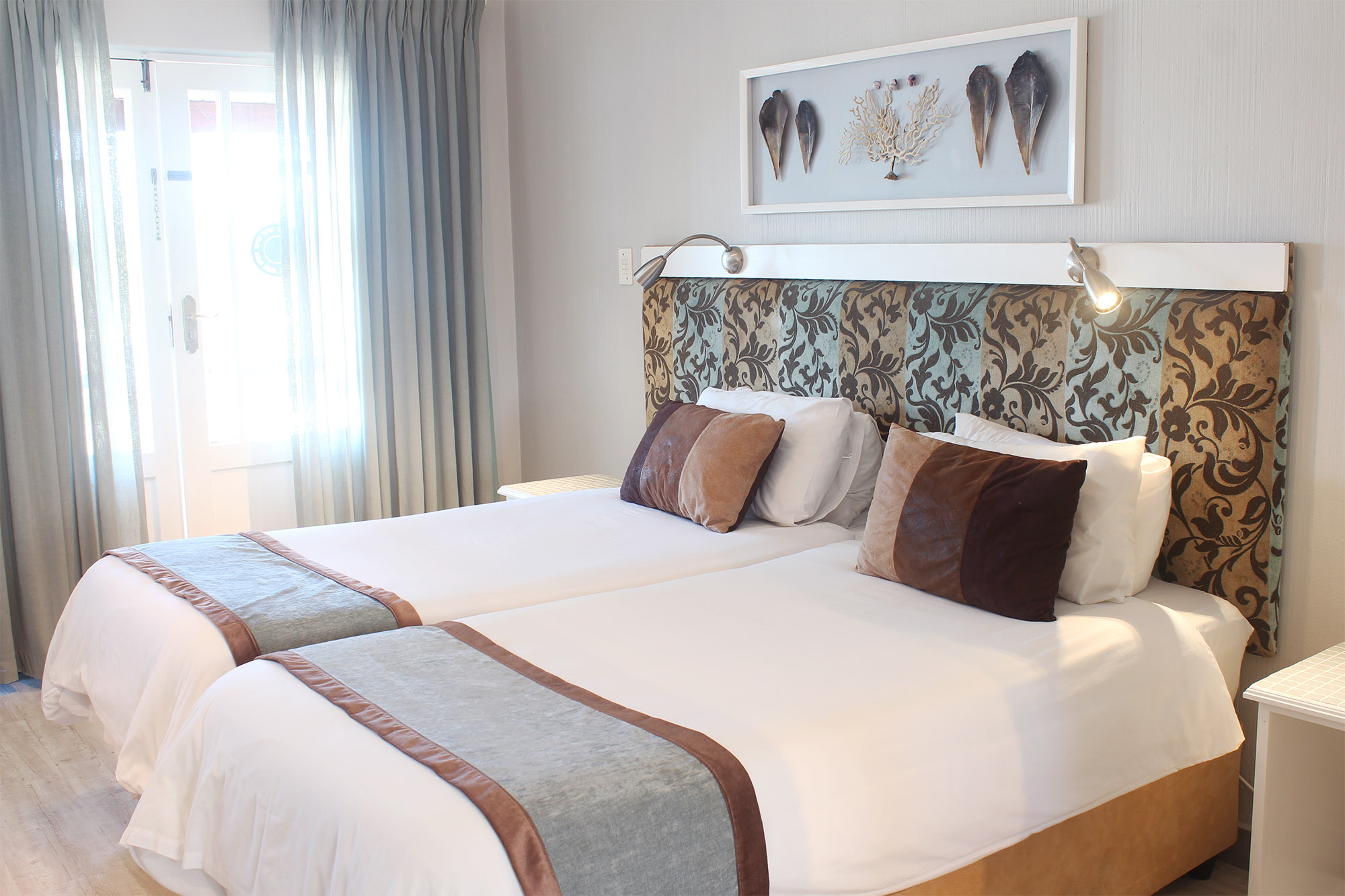 Oceans Hotel Hotel Twin Room – Main Entrance